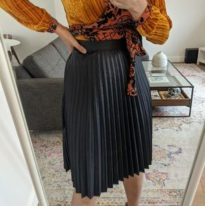 Navy Pleated Skirt - Icone from Simon's